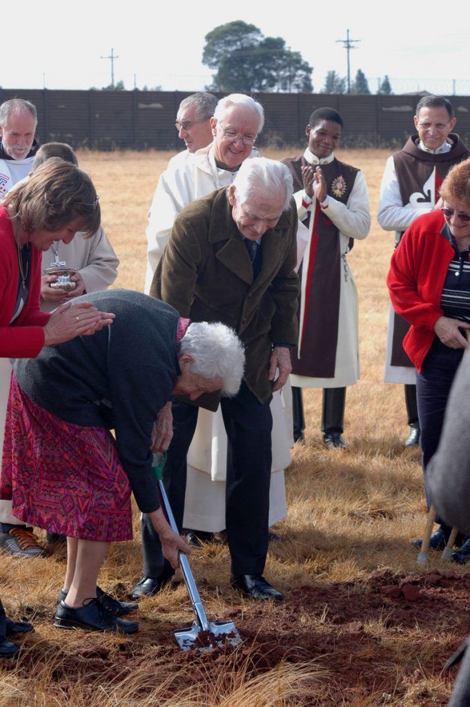 Domitilla-and-Danny-turning-the-first-sod-for-the-future-Chapel-of-the-Holy-Family-at-LITTLE-EDEN-Elvira-Rota-Village-Bapsfontein-in-2007