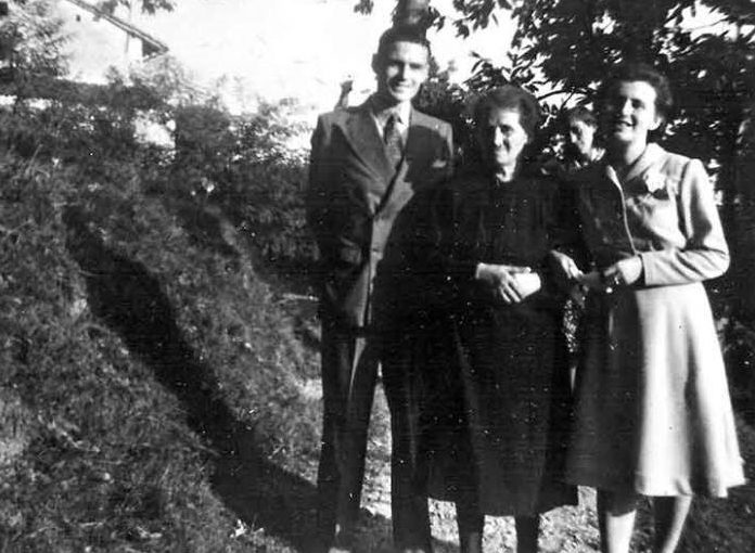 Danny Hyams (left), Domitilla Rota (right) and her mother, Elvira (centre) on the wedding day, 8 September 1947